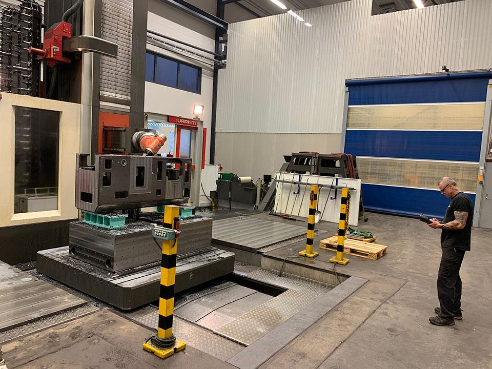 Floor-type milling machines